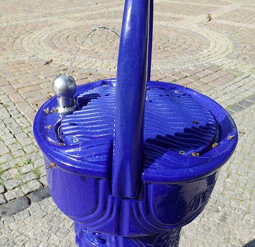 wasserspender-bienen-nettelbeckplatz-2_mr